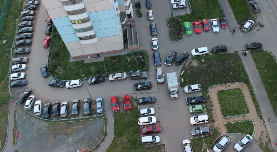 Павел Стариков: концепция обеспечения населения парковочными местами реализуется по нескольким направлениям.