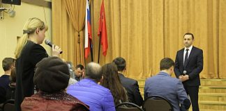 Встреча Михаила Сапунова с жителями Павшинской поймы.