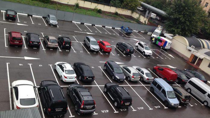 Около 1200 парковочных мест планируют создать в Павшинской пойме