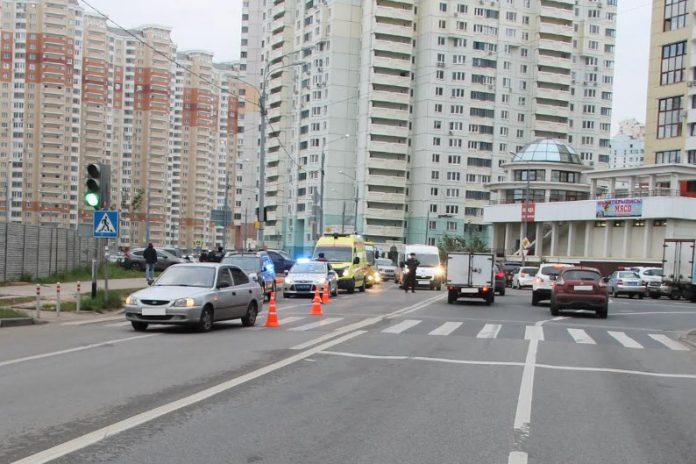 В Павшинской пойме под колеса автомобиля попал 11 летний ребенок