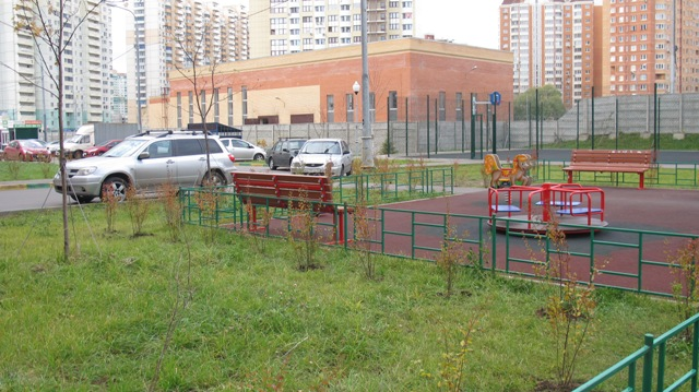 Комплексное благоустройство дворовых территорий в Павшинской пойме в 2017 году