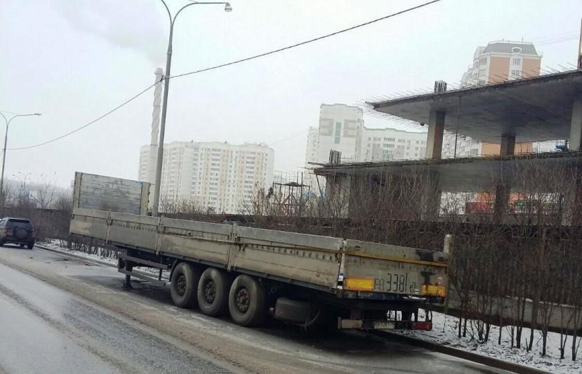 Брошенный транспорт уберут с улиц Павшинской поймы