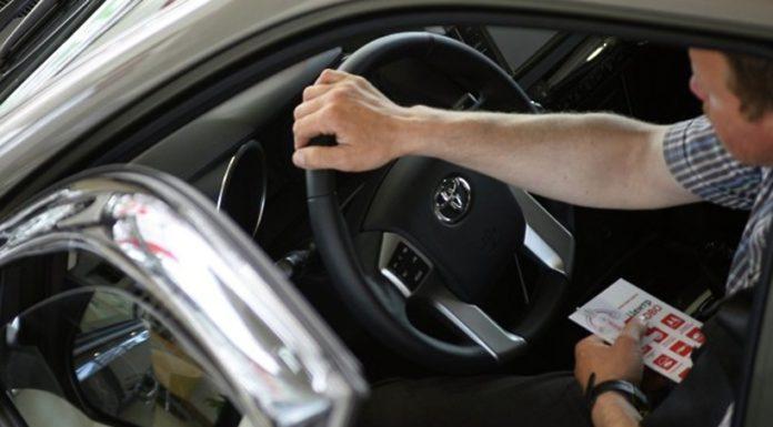 Toyota за 2 млн рублей угнали в Павшинской пойме
