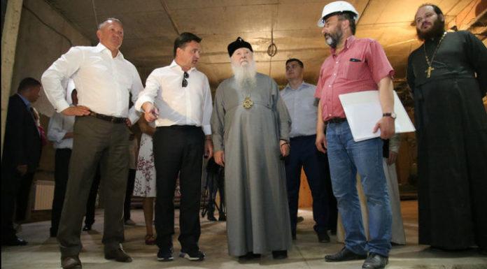 Воробьев проинспектировал строительство Никольского храма в Павшинской пойме