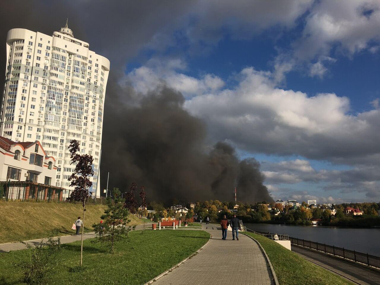 Крупный пожар в ТЦ