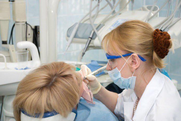 В Павшинской пойме проходит благотворительная акция по бесплатному лечению зубов
