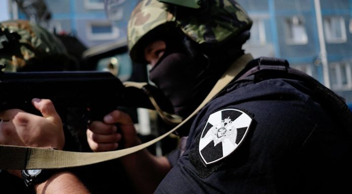Сотрудники Росгвардии задержали в Павшинской пойме вооруженного ножом мужчину