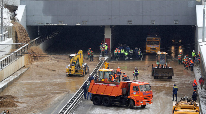Тоннель в Тушине затопило из-за провала грунта
