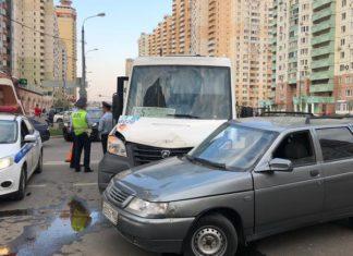 Два человека пострадали в ДТП в Павшинской пойме