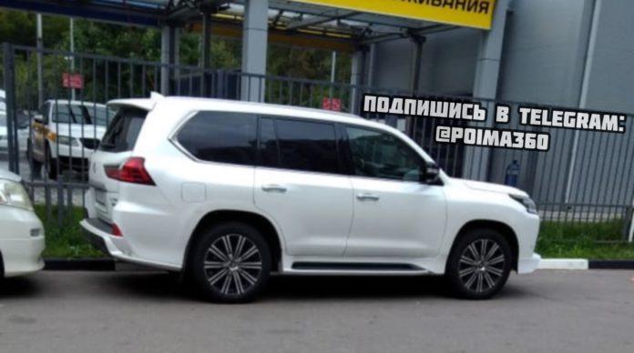 Угнанный в Петербурге Lexus нашли в Павшинской пойме